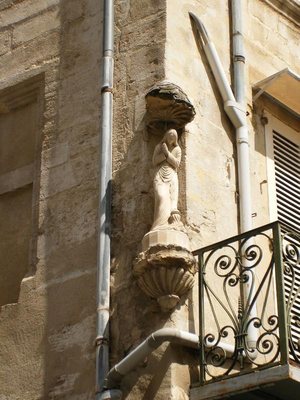 Sculptures  vues  à Avignon Dscf4120