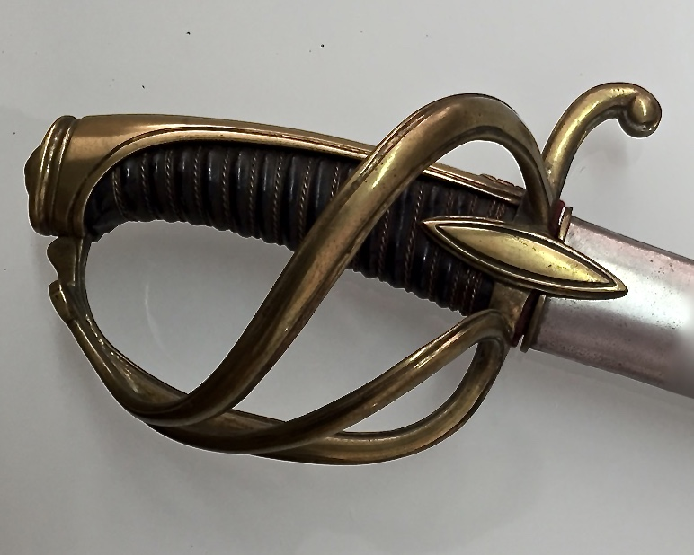 Les sabres d'officier de cavalerie légère à la chasseur 90_312