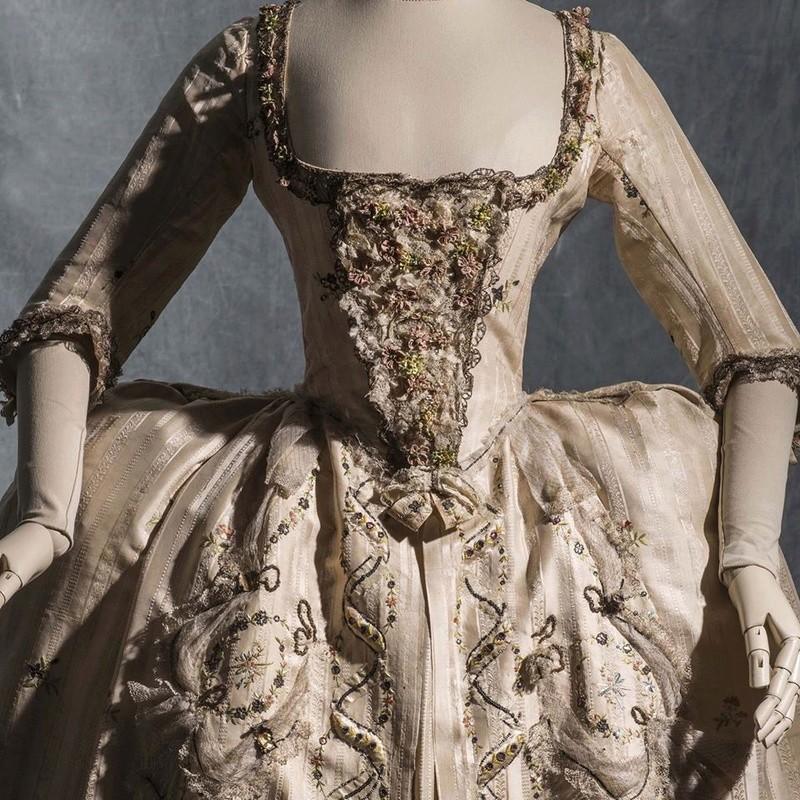 """Aux Arts décoratifs, """"3 siècle de mode"""" 13095910"""