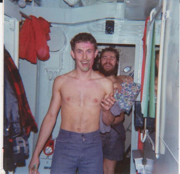 [Les traditions dans la Marine] Passage du cercle polaire (Sujet unique) - Page 3 Passag11