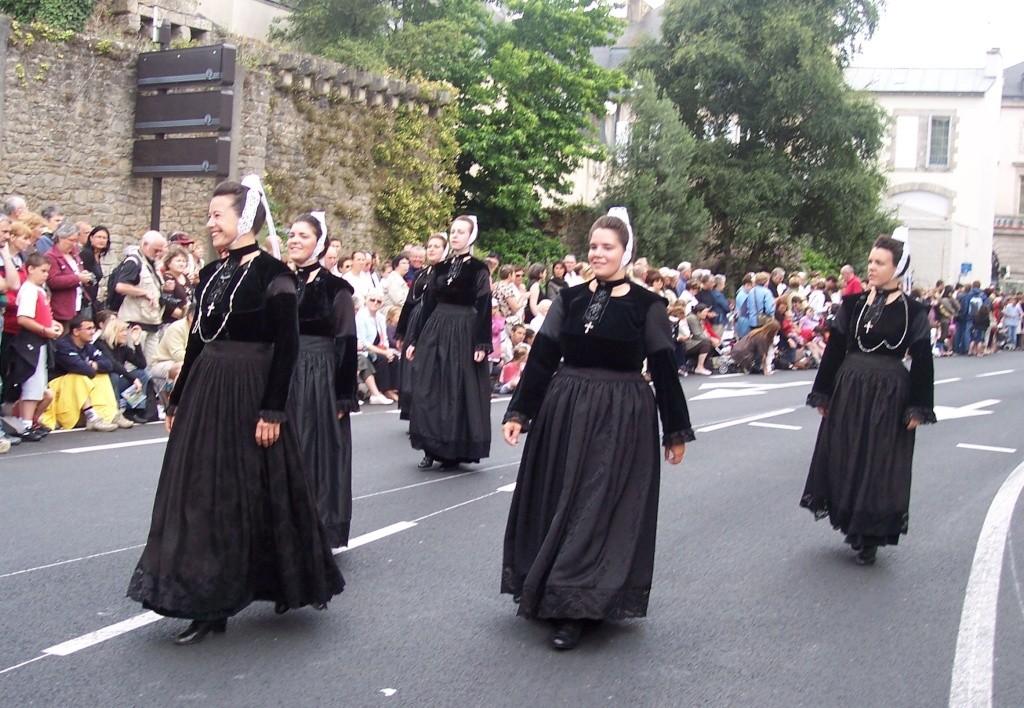 Photos des fetes de cornouaille : le grand défilé breton 101_3515