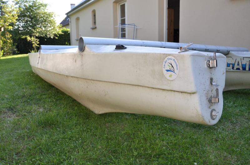Un catamaran Tirot. 021310