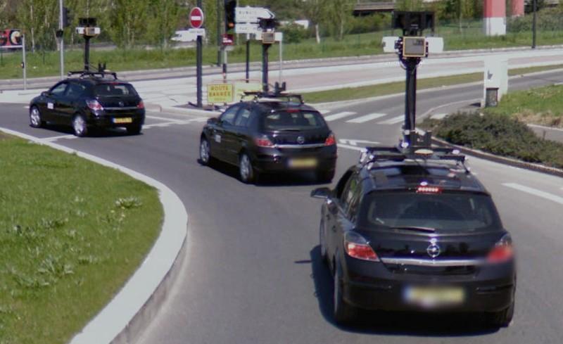 STREET VIEW : Les Google Cars en action Google11