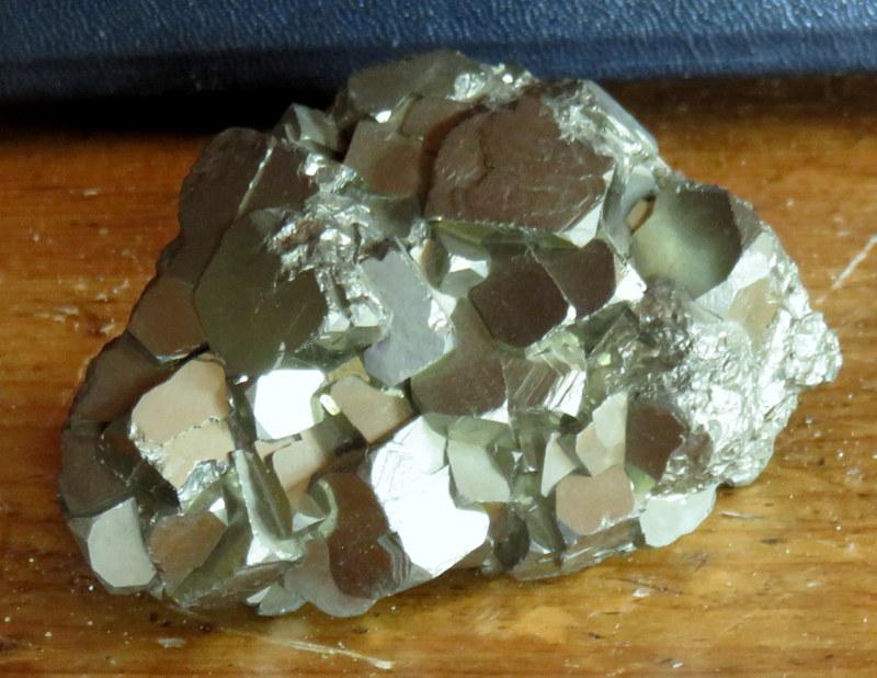 quartz, minéraux et pierres diverses... 04512