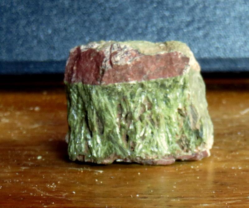 quartz, minéraux et pierres diverses... 05710