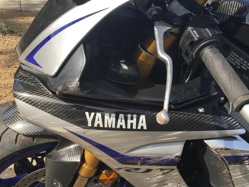 Yamaha R1 et R1M  Crossplane 2015 ( sujet numero3 ) - Page 6 13087010