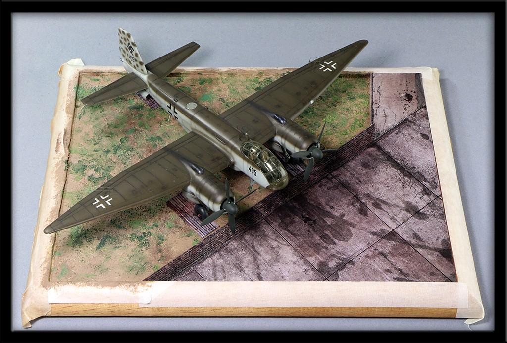 "Diorama, base ""Dessau Luftwaffe hardstand"" deluxe edition (Uschi 1/72) Img_8517"
