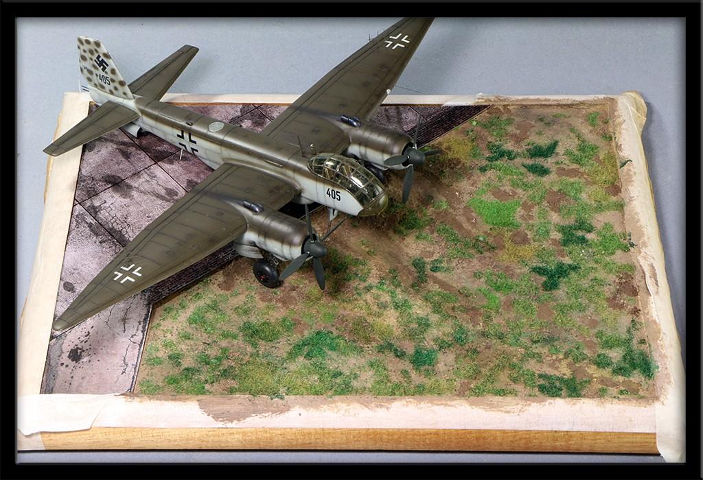 "Diorama, base ""Dessau Luftwaffe hardstand"" deluxe edition (Uschi 1/72) Img_8610"