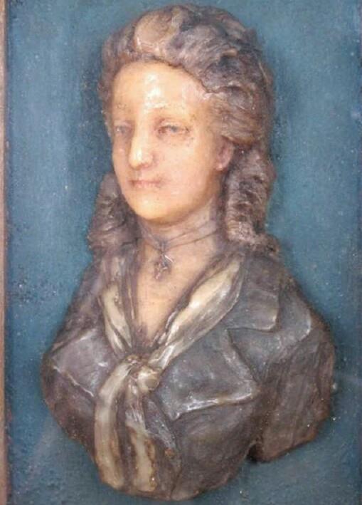 Bustes et représentations en cire de Marie-Antoinette 13138810