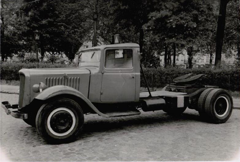 Photos d'époque de camions Citroën - Page 29 0143