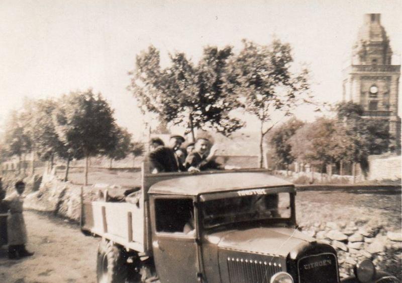 Photos d'époque de camions Citroën - Page 29 Citroe11