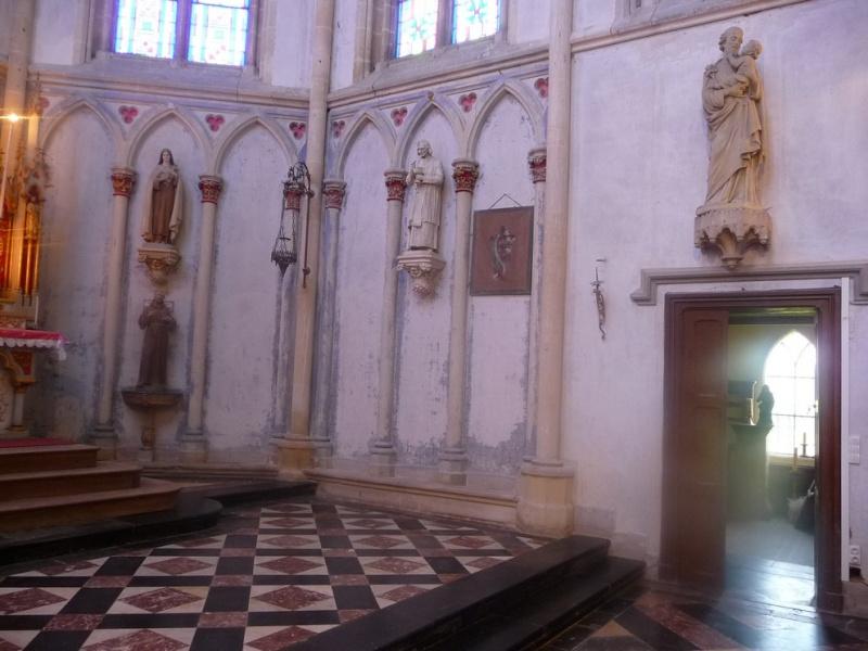 L'EGLISE de Le Quesnel : église Saint léger. E210