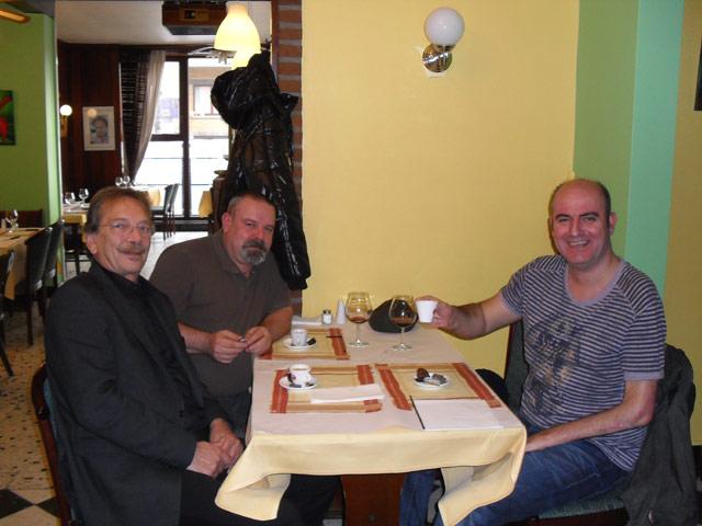 Le 12/11/09 à 11h sur la place de Quaregnon ! 07_reu11