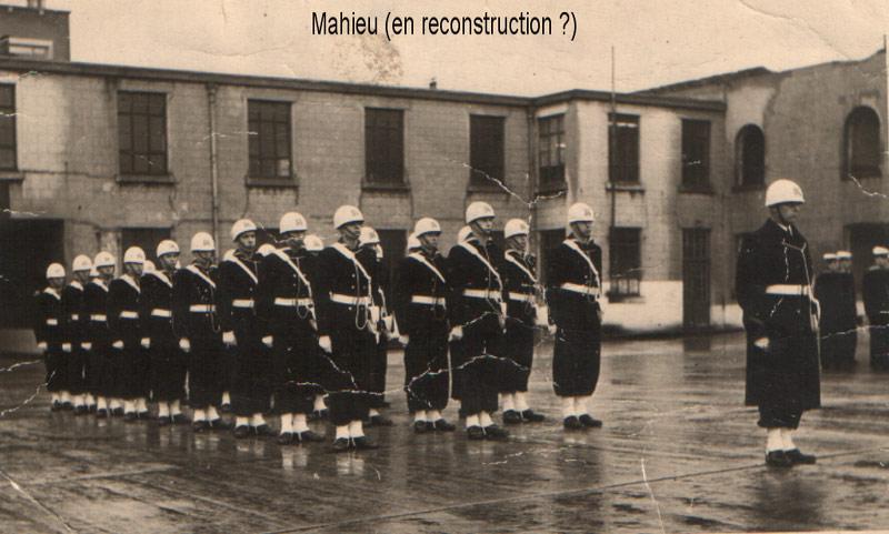 Caserne Mahieu en 1972 Caserne Bootsman Jonsen - Page 3 08hspa10