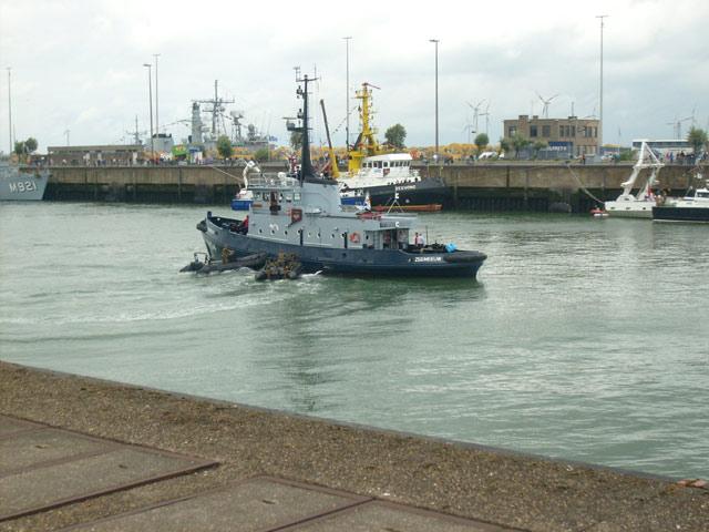 Zeebrugge : Opendeur - Portes Ouvertes - Navy Days - Page 9 09_equ11