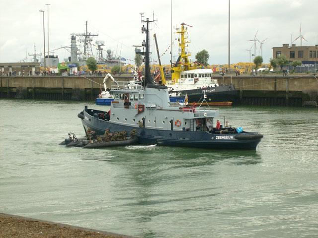Zeebrugge : Opendeur - Portes Ouvertes - Navy Days - Page 9 10_equ11