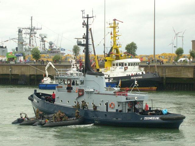 Zeebrugge : Opendeur - Portes Ouvertes - Navy Days - Page 9 11_equ11