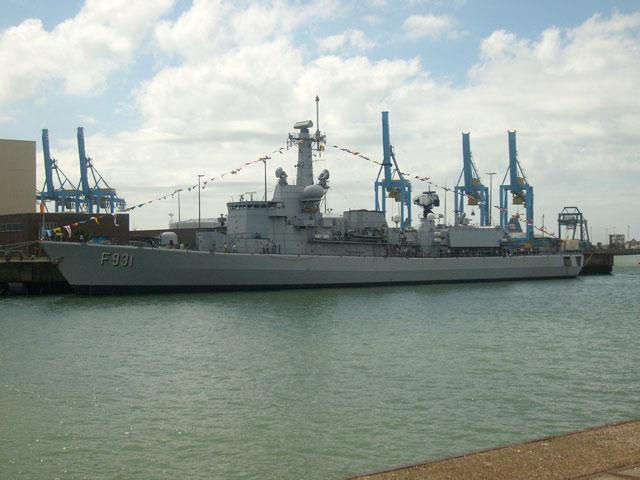 Zeebrugge : Opendeur - Portes Ouvertes - Navy Days - Page 10 26_nav11