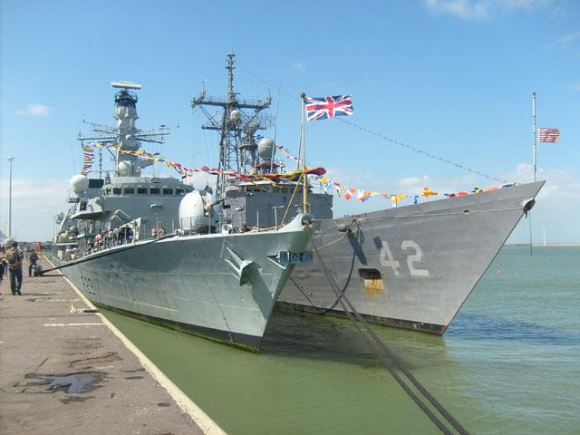 Zeebrugge : Opendeur - Portes Ouvertes - Navy Days - Page 10 27_nav11
