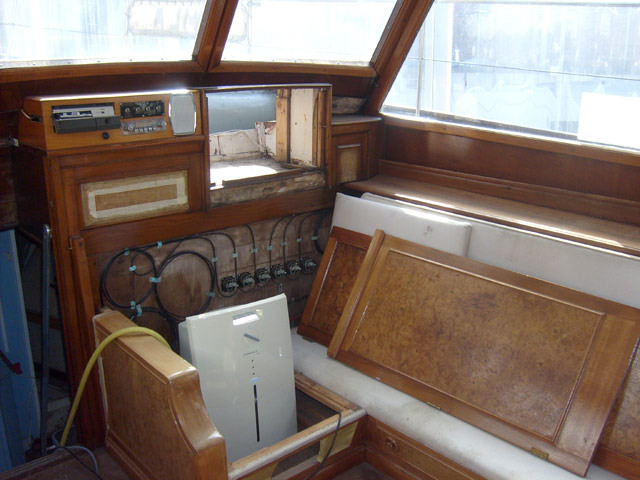 ex A981 AVILA  (yacht royal) - Page 2 33_mus10