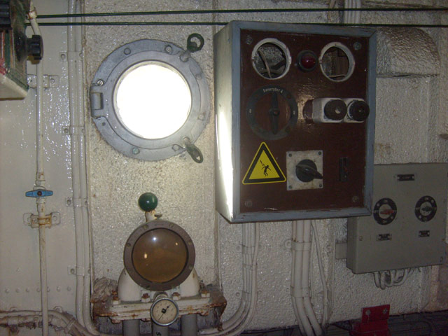 ex P903 MEUSE  (patrouilleur fluvial) 43_mus10