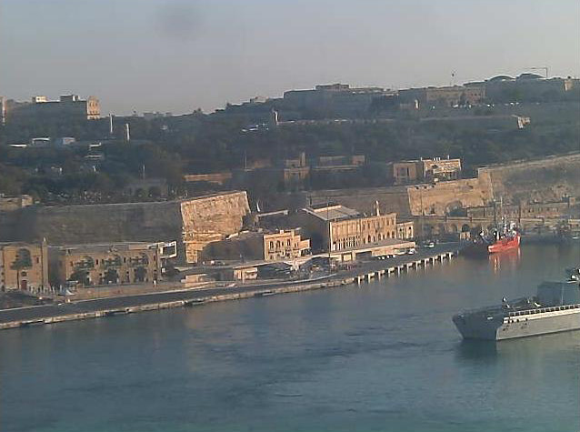 Photos en live des ports dans le monde (webcam) - Page 6 Malte_33