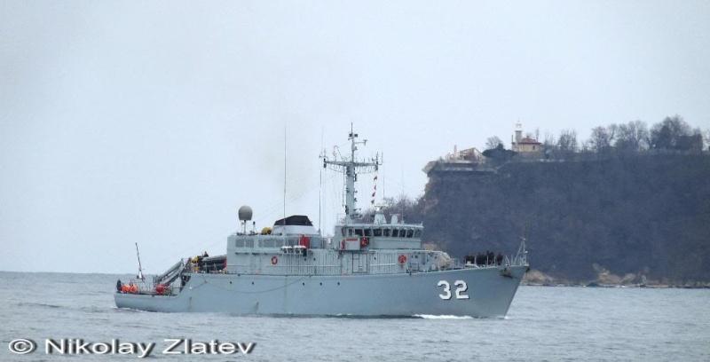 Bulgarian Navy - Marine Bulgare - Page 9 P1030611