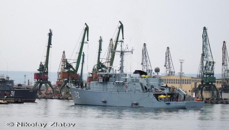 Bulgarian Navy - Marine Bulgare - Page 9 P1030620
