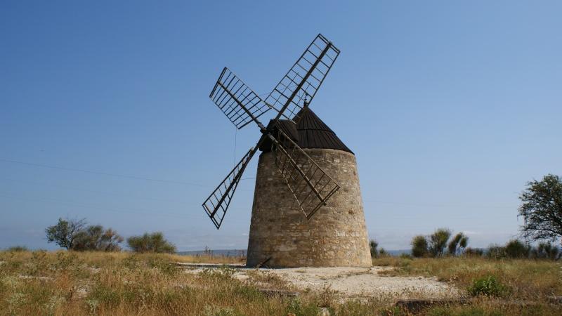 les moulins de Nissan lez Enserune Dsc00025