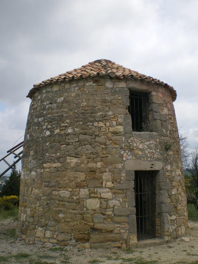 les moulins de Nissan lez Enserune Imgp3015