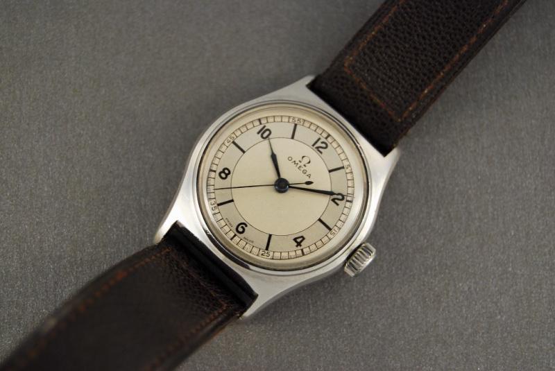 grandeur des montres dans les années 40 Naiad013
