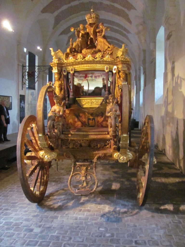 Enfin !   Réouverture de la Galerie des Carrosses à Versailles Img_4811