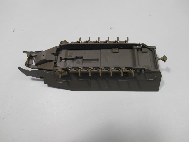 Sd.Kfz.251/3 Ausf.C -  AFV 1/35e - Mittlere Funkpanzerwagen 3-sd_k11