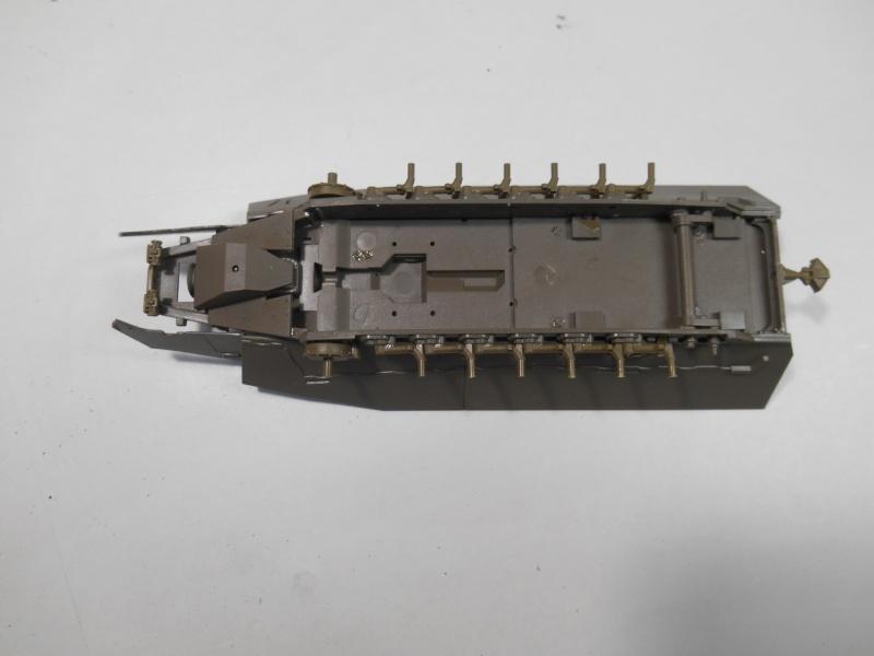 Sd.Kfz.251/3 Ausf.C -  AFV 1/35e - Mittlere Funkpanzerwagen 4-sd_k11