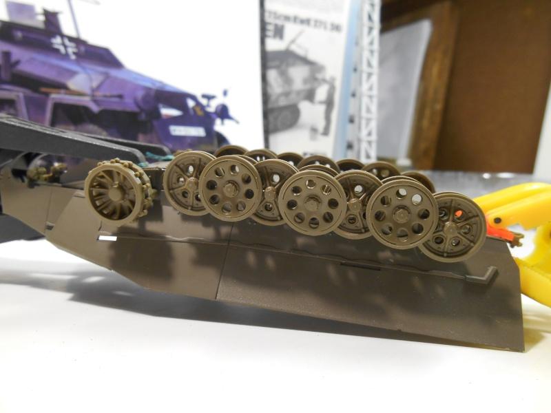 Sd.Kfz.251/3 Ausf.C -  AFV 1/35e - Mittlere Funkpanzerwagen Sd_kfz17
