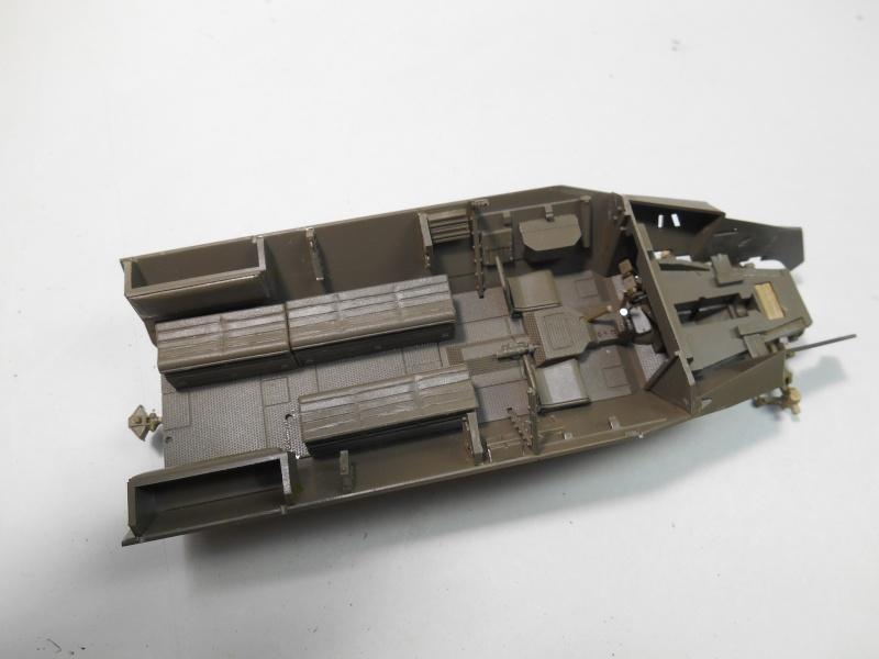 Sd.Kfz.251/3 Ausf.C -  AFV 1/35e - Mittlere Funkpanzerwagen - Page 2 Sd_kfz34