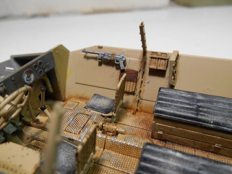 Sd.Kfz.251/3 Ausf.C -  AFV 1/35e - Mittlere Funkpanzerwagen - Page 4 Sd_kfz58