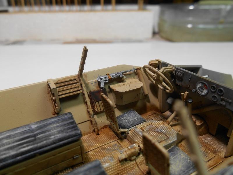 Sd.Kfz.251/3 Ausf.C -  AFV 1/35e - Mittlere Funkpanzerwagen - Page 4 Sd_kfz61