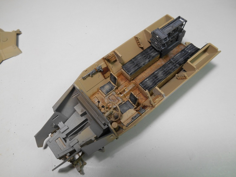 Sd.Kfz.251/3 Ausf.C -  AFV 1/35e - Mittlere Funkpanzerwagen - Page 4 Sd_kfz65