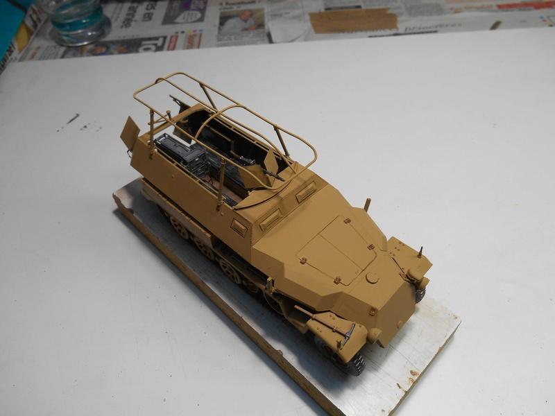 Sd.Kfz.251/3 Ausf.C -  AFV 1/35e - Mittlere Funkpanzerwagen - Page 5 Sd_kfz77
