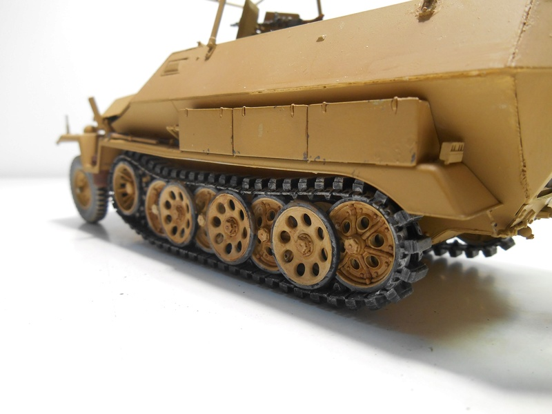 Sd.Kfz.251/3 Ausf.C -  AFV 1/35e - Mittlere Funkpanzerwagen - Page 5 Sd_kfz85