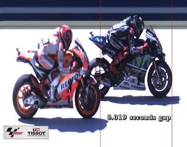 Moto GP 2016 - Page 18 Cjeakk10