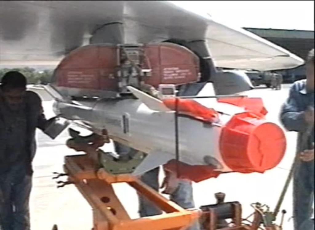 الطائرة المقاتلة الاعتراضية ميغ-29 فالكرم MIG-29 Fulcrum - صفحة 2 Fulc10