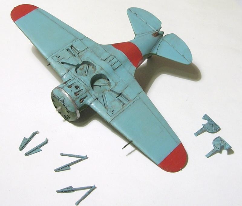 Montage: Polikarpov I-16 type 10 1/72 - Page 2 Montag13