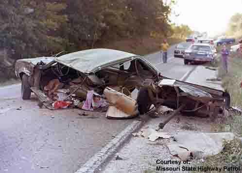 photos de voitures et camions accidentés 70scar10