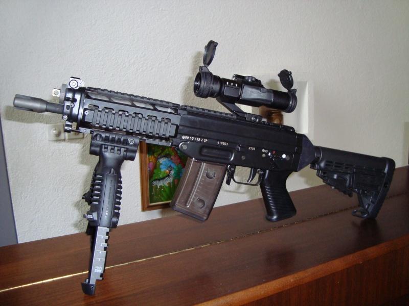 Pistolets-mitrailleurs : on n'en parle pas beaucoup ! - Page 4 Sig10