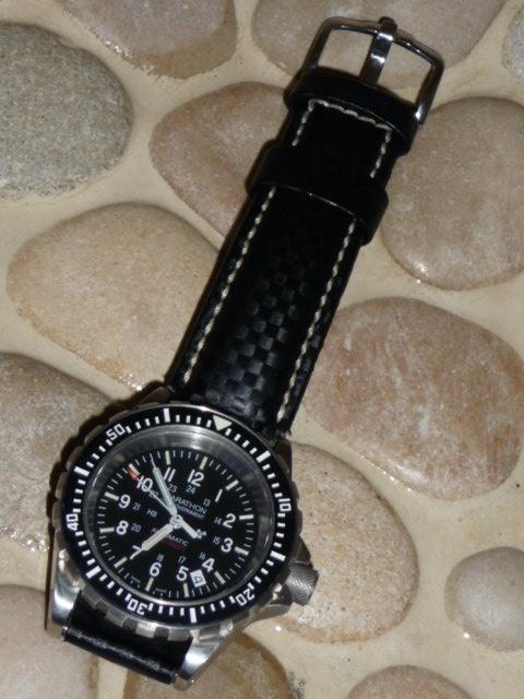 Feux de vos montres monté sur Carbon Hirsch - Page 2 01040912