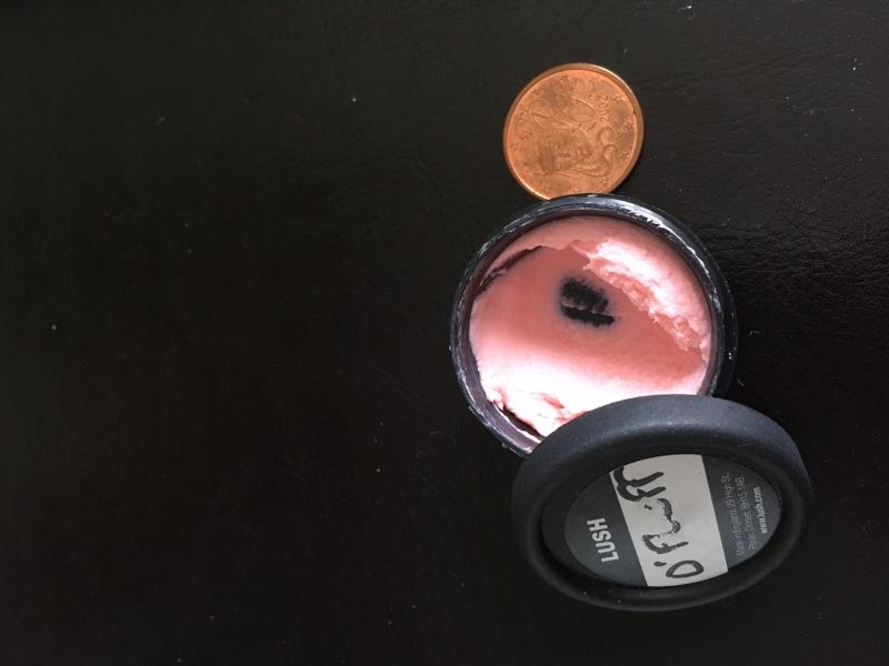 Savon LUSH:  D-Fluff Strawberry Img_4010