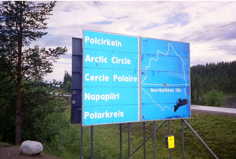 Monument cercle polaire Salekhard Russie 94171311