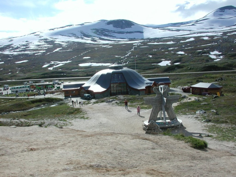 Monument cercle polaire Salekhard Russie Dscn0110